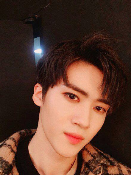 Shooting Star Wallpaper Hd 171 Best Yanan Pentagon Images On Pinterest Pentagon Cosmos And The Universe