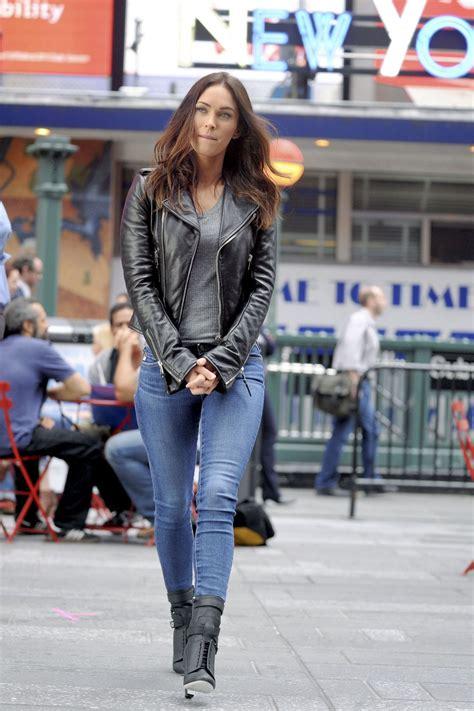 Megan Fox - Teenage Mutant Ninja Turtles 2 Set Photos ...