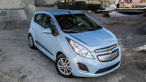 Chevrolet Spark Backgrounds by Chevrolet Spark Ev 2013 Wallpapers And Hd Images Car Pixel
