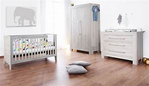 6 idees pour transformer la chambre de bebe en un cocon With chambre blanche et bois
