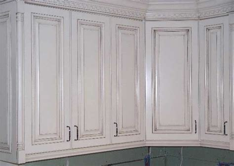 ideas to paint kitchen painted cabinets with glaze rub through quot glaze paint