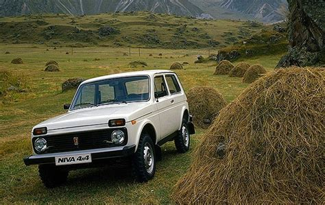 30-year-old Lada 2105/2107 Claims #1 Spot