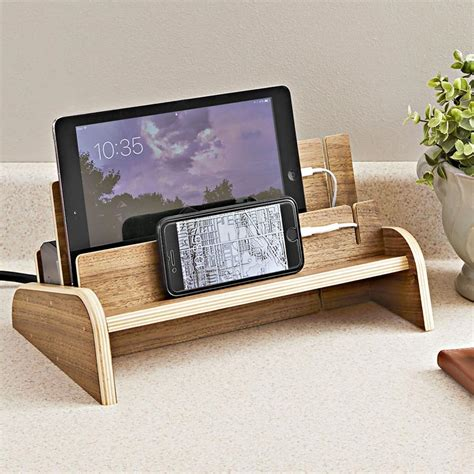 charging station woodworking plan  wood magazine