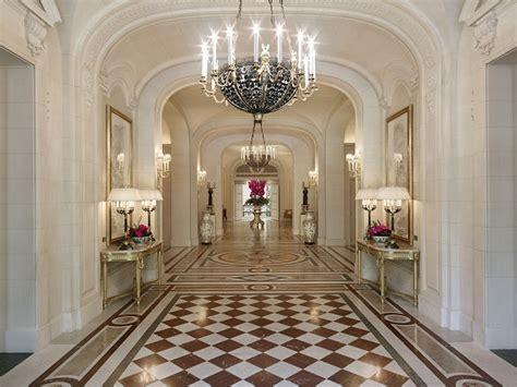 remarkable ways  transform  neglected hallway
