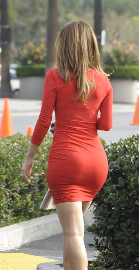 Filthy Anarchists Phlog Maria Menounos Sexy In A Short Tight Red Dress On Extra