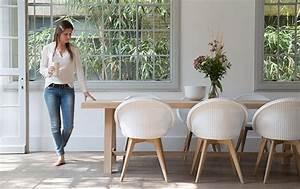 Wieviel Platz Pro Person Am Tisch : blue wall design esszimmerst hle modern 10 top tipps ~ Watch28wear.com Haus und Dekorationen