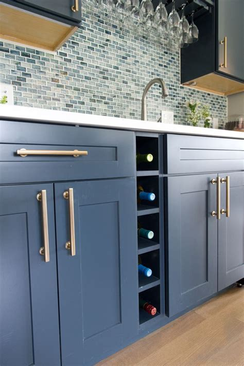 Best 25  Diamond cabinets ideas on Pinterest   Marble