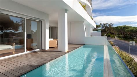 piscine avec siege somptueux appartement avec piscine triangle d 39 or vale de lobo
