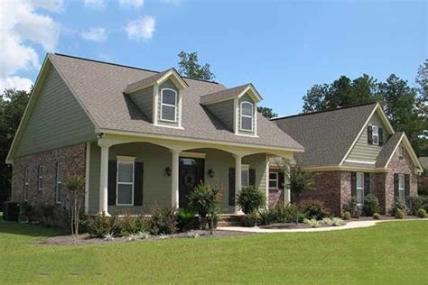 Country Style House Plan 4 Beds 3 Baths 2500 Sq/Ft Plan