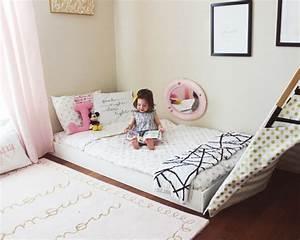 Lit Au Sol : lit ras du sol pour chambres pour b b s enfants et adultes ~ Teatrodelosmanantiales.com Idées de Décoration
