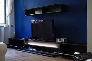 Mobile TV Su Misura Con Luce Di Cortesia