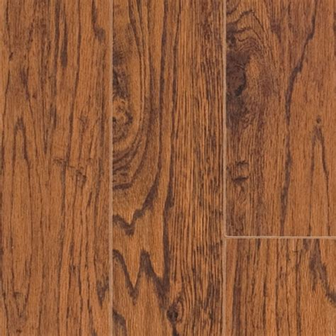 laminate wood flooring hickory shop pergo max handscraped hickory wood planks sle heritage at lowes com
