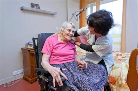 emploi auxiliaire de vie en maison de retraite quelques liens utiles