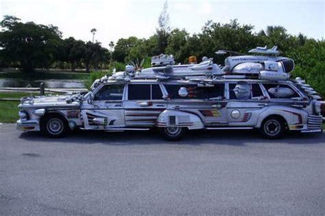 bugatti limousine interior quot trash quot limousine at a price of bugatti veyron 17 pics