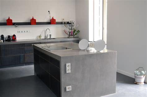 table de cuisine en stratifié béton ciré pour sol et mur béziers montpellier narbonne