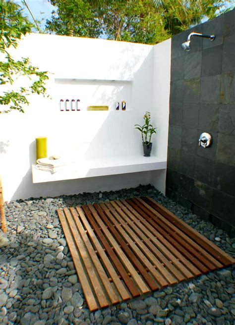 garden tub shower combo home design ideas and pictures lovely original 1024x768 1280x720 1280x768 1152x864 1280x960 size 1024x768 corner garden simple luxuries 10 killer outdoor showers