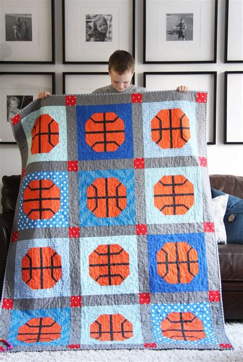 sports theme quilts images  pinterest