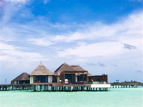 hotel review  seasons maldives  kuda huraa