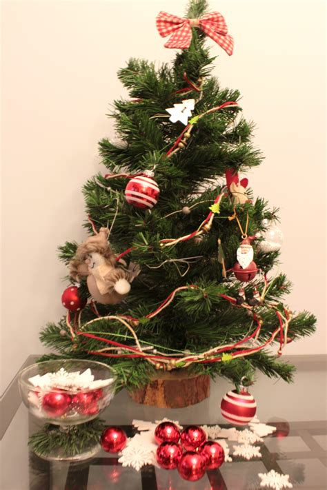 decorate  tiny christmas tree wwwindiepediaorg
