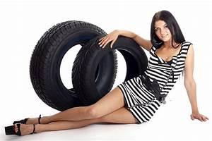 Changer De Taille De Pneu : les femmes savent changer toutes seules un pneu crev charlotteauvolant ~ Gottalentnigeria.com Avis de Voitures