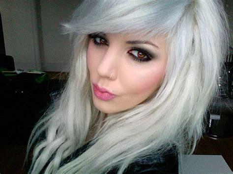 Long White Blonde Hair, Nose Ring & Smokey ...500 X 375