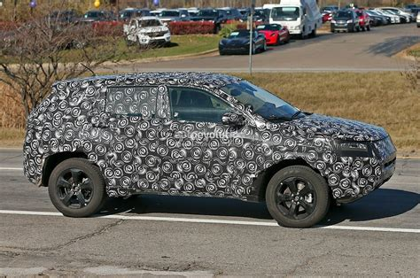 2017 Jeep Patriot Mule by Jeep S Patriot Compass Replacement Spied Jeep Renegade Forum