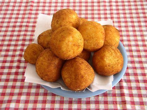 cuisine sicilienne arancini ricetta arancini siciliani ecco la ricetta tradizionale