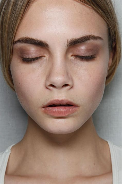 Красивый макияж 52 фото современных украшений глаз губ и лица