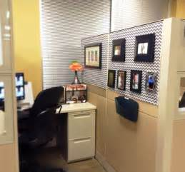 Chic Office Cubicle Decorating Ideas