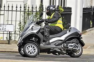 Piaggio Mp3 400 : piaggio mp3 lt 400 scooter auto express ~ Medecine-chirurgie-esthetiques.com Avis de Voitures
