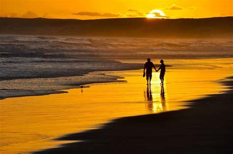 beach night girl guy  romance  romantic walk