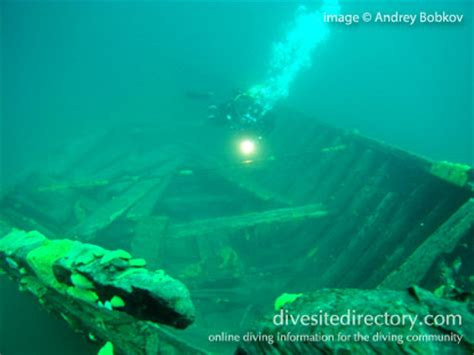 unknown shipwreck scuba diving  lake baikal