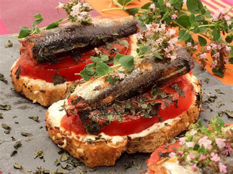 origan frais en cuisine sardines en tartines au fromage frais à l 39 ail tomate