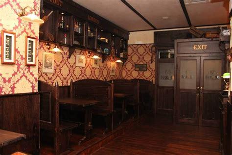 Divanetti In Legno Panche Divanetti In Legno Per Pub Www Eventodesign Net