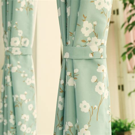 tissu rideau au metre cuisine le monde de catalogue tissu au m 195 168 tre blanc pois gris tissu rideau ikea tissu