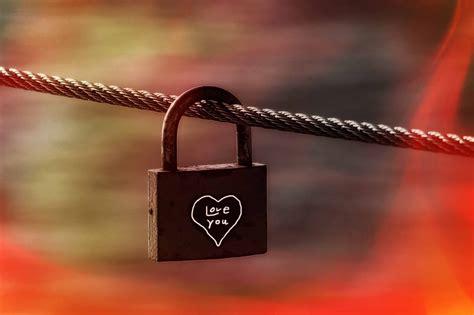 lock heart symbol chain romance hd padlock liebesbeweis light eternity castle friendship locks eternal promise key palace pixelstalk wallpapers draw
