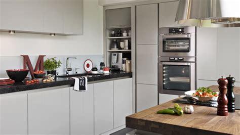 modele cuisine encastrable quel réfrigérateur encastrable choisir darty vous