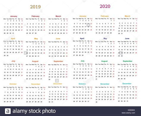 dodici mesi calendario design stampabile