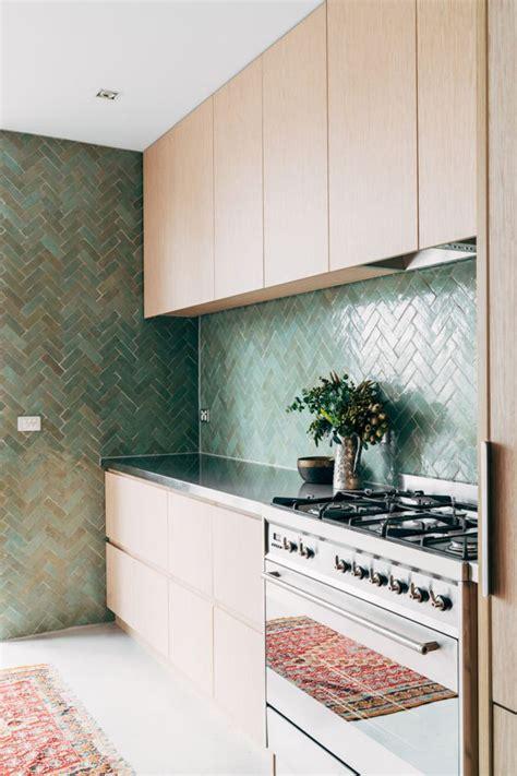 kitchen tiles melbourne 17 best ideas about chevron tile on 3341