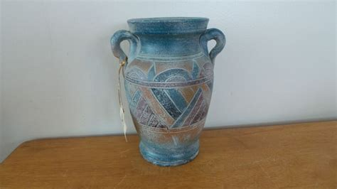 river junction pottery works aztec style stoneware vase