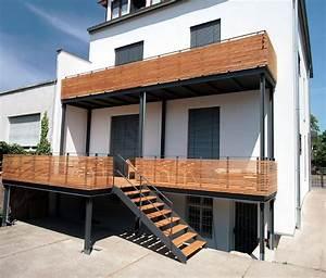 Geländer Holz Terrasse : pin von d runge auf gel nder balkon in 2019 wood railing house stairs und staircase handrail ~ Watch28wear.com Haus und Dekorationen