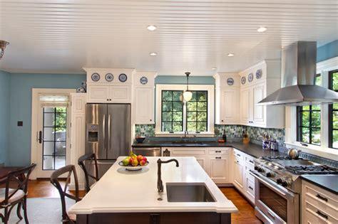 eat  kitchen  island  sink