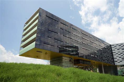 stevenhollcomhorizontal skyscraper vanke center