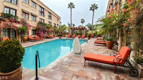 hotel review  western  sunset plaza  los