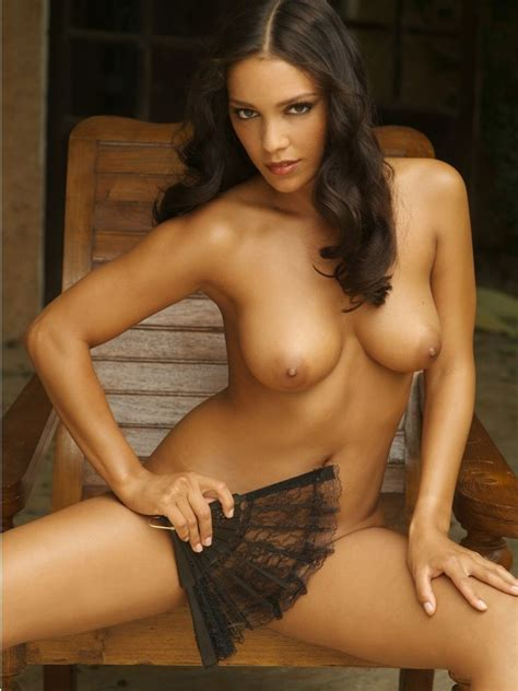 Hot Spanish Girl Leonor Perez 19 Pics