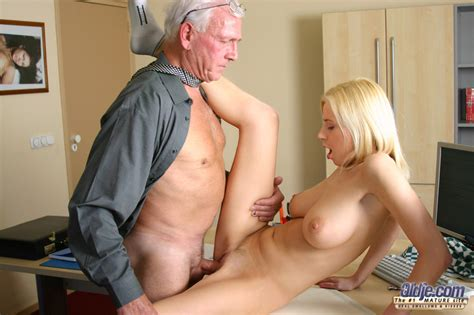 Old Men Fucking Young Girls When She Clean Xxx Dessert