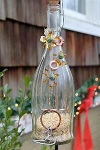 Vogelfutterspender Selber Bauen : basteln mit glasflaschen 15 kreative und originelle diy ideen ~ Whattoseeinmadrid.com Haus und Dekorationen