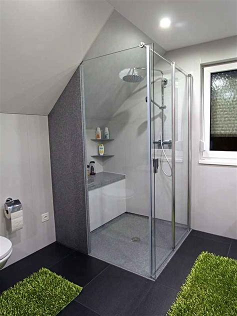 Kleines Badezimmer Mit Dachschräge Renovieren by Bodenebene Dusche Mit Einseitig Wegfaltbarer Duschkabine