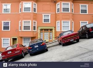 Age Devant Voiture : voitures gar es devant un lumineux bien entretenu chambre orange sur une tr s forte ~ Medecine-chirurgie-esthetiques.com Avis de Voitures