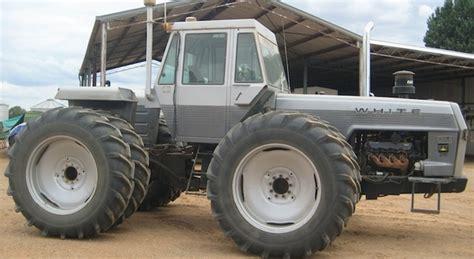 White 4-180 Articulated Tractor   Machinery & Equipment